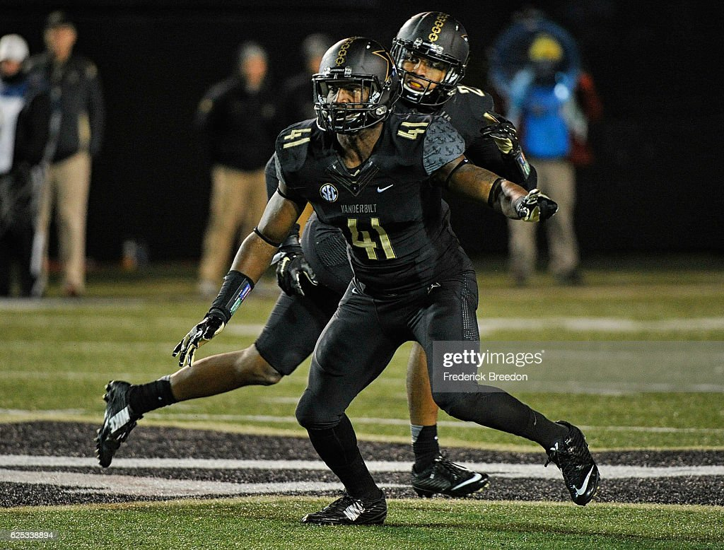 Mississippi v Vanderbilt : News Photo