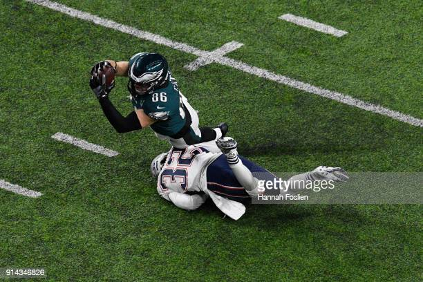 Zach Ertz of the Philadelphia Eagles catches a pass for a 11yard touchdown against the New England Patriots during the fourth quarter in Super Bowl...