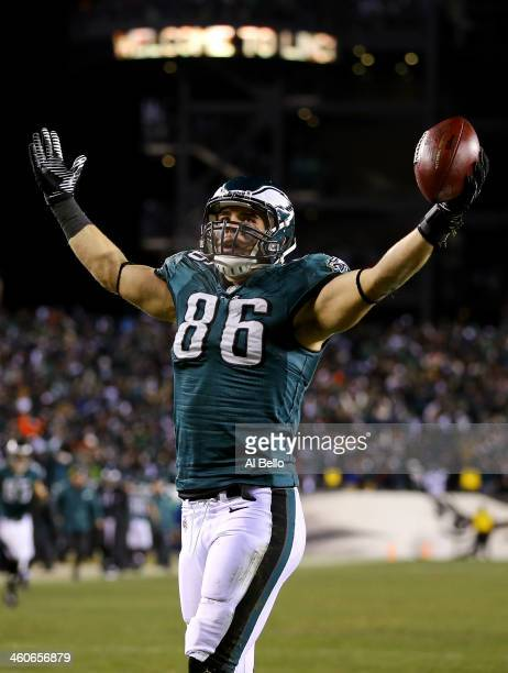 Zach Ertz of the Philadelphia Eagles celebrates after scoring a 3 yard touchdown pass from Nick Foles in the fourth quarter against the New Orleans...
