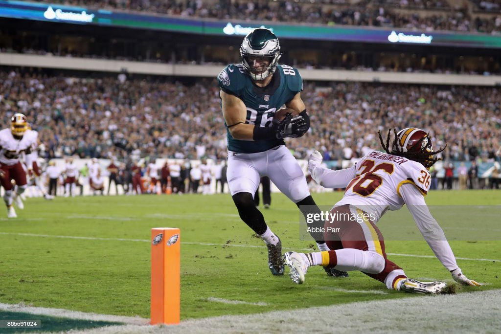 Washington Redskins v Philadelphia Eagles : News Photo