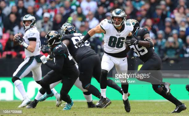 187b9ae48 Zach Ertz tight end for the Philidelphia Eagles during the NFL game between  the Philadelphia Eagles