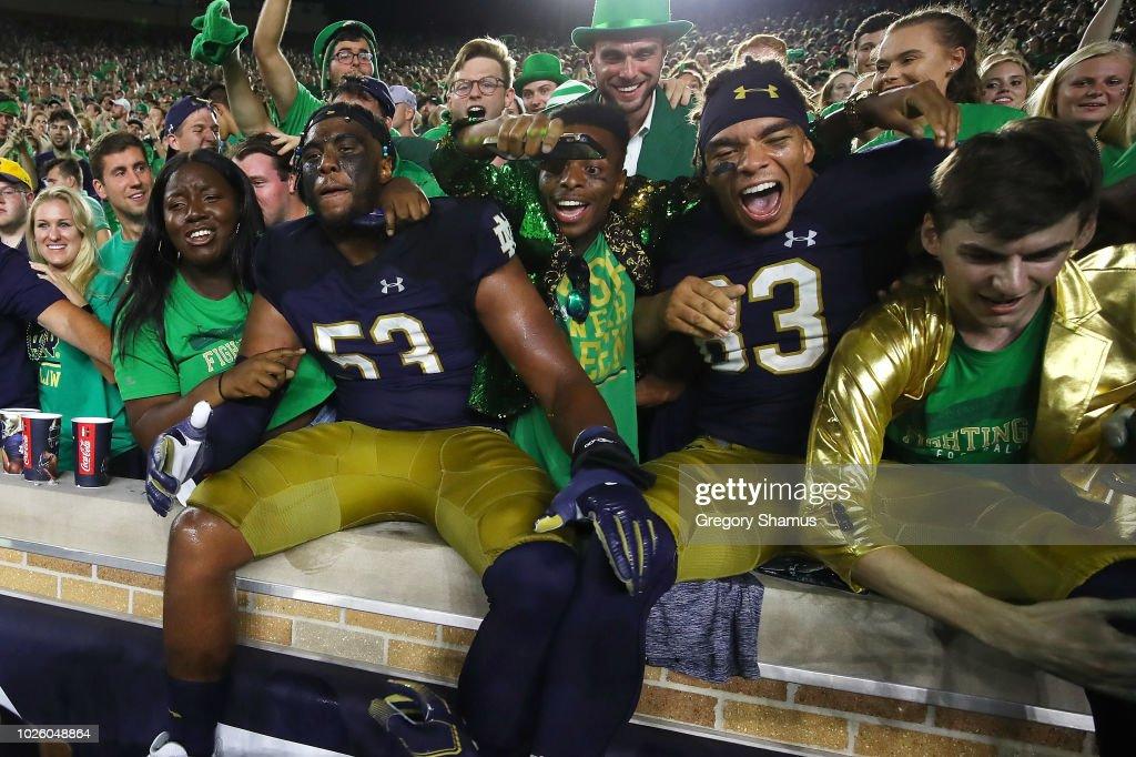 Michigan v Notre Dame : Nachrichtenfoto