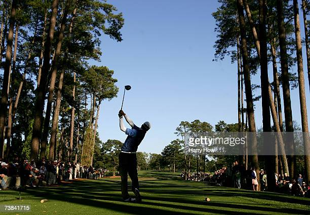 Zach Johnson hits his tee shot on the 17th hole during the final round of The Masters at the Augusta National Golf Club on April 8, 2007 in Augusta,...