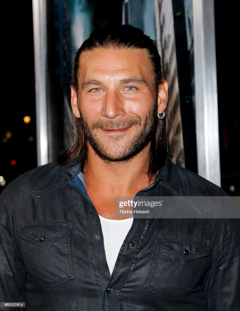 Zach McGowan attends the premiere of Warner Bros. Pictures 'Geostorm' at TCL Chinese Theatre on October 16, 2017 in Hollywood, California.