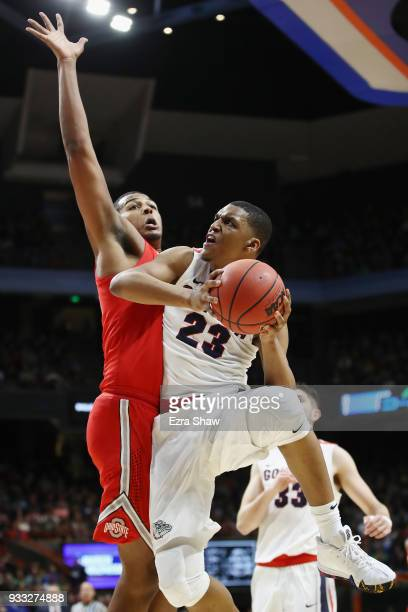Zach Norvell Jr #23 of the Gonzaga Bulldogs drives to the basket against Kaleb Wesson of the Ohio State Buckeyes during the second half in the second...