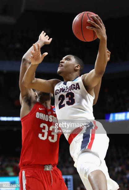 Zach Norvell Jr #23 of the Gonzaga Bulldogs drives to the basket against Keita BatesDiop of the Ohio State Buckeyes during the second half in the...
