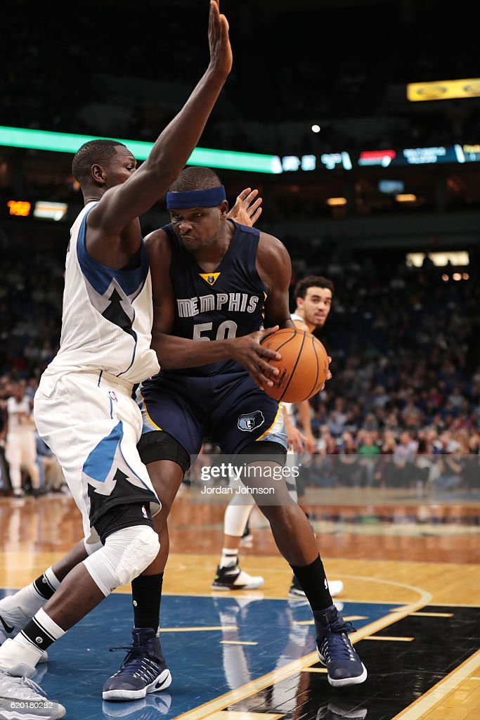 Zach Randolph #50 of the Memphis Grizzlies handles the ball during the game against the Minnesota Timberwolves on November 1, 2016 at Target Center in Minneapolis, Minnesota.