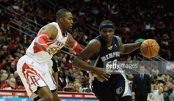 Zach Randolph of the Sacramento Kings drives against Dwight Howard of the Houston Rockets during the game at the Toyota Center on January 22 2014 in...