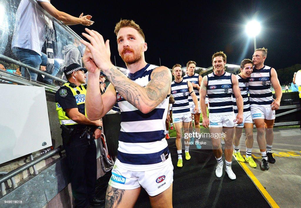AFL Rd 5 - Port Adelaide v Geelong : News Photo