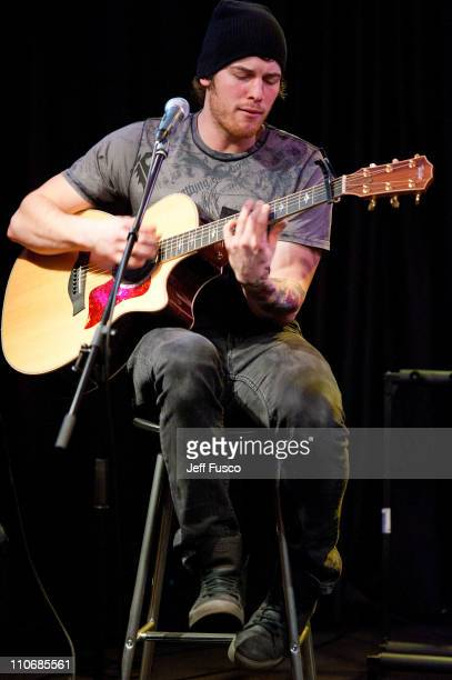 all time low acoustic performance ストックフォトと画像 getty images