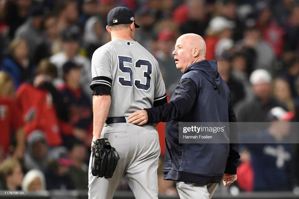 Divisional Series - New York Yankees v Minnesota Twins - Game Three : News Photo