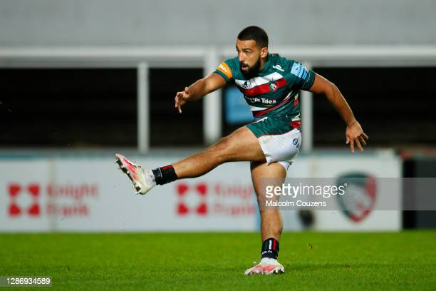 Zack Henry of Leicester Tigers misses with a dropgaol attempt during the Gallagher Premiership Rugby match between Leicester Tigers and Gloucester at...