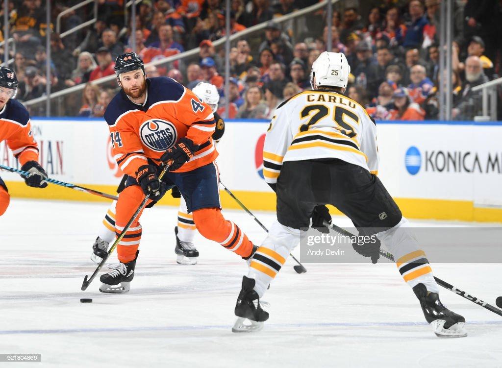 Boston Bruins v Edmonton Oilers : News Photo