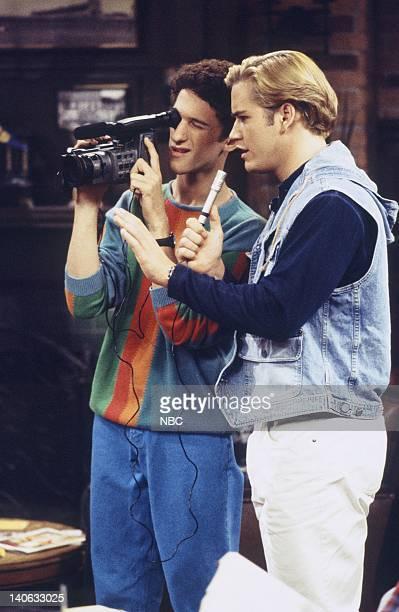 YEARS 'Zack Lies Videotape' Episode 3 Air Date Pictured Dustin Diamond as Screech Powers MarkPaul Gosselaar as Zack Morris Photo by Monty...