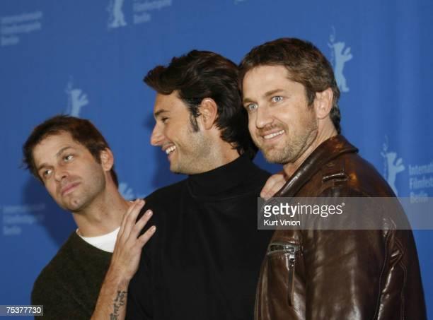 Zack Snyder director Rodrigo Santoro and Gerard Butler
