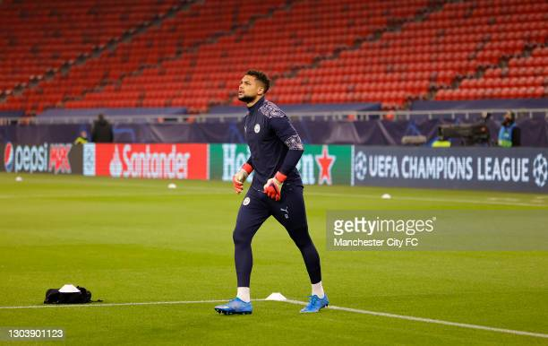 Zack Steffen of Manchester City warms up prior to the UEFA Champions League Round of 16 match between Borussia Mönchengladbach and Manchester City at...