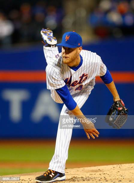 Zack Wheeler of the New York Mets in action against the Miami Marlins at Citi Field on April 7 2017 in the Flushing neighborhood of the Queens...