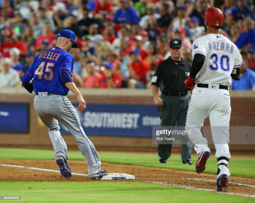 New York Mets v Texas Rangers : News Photo