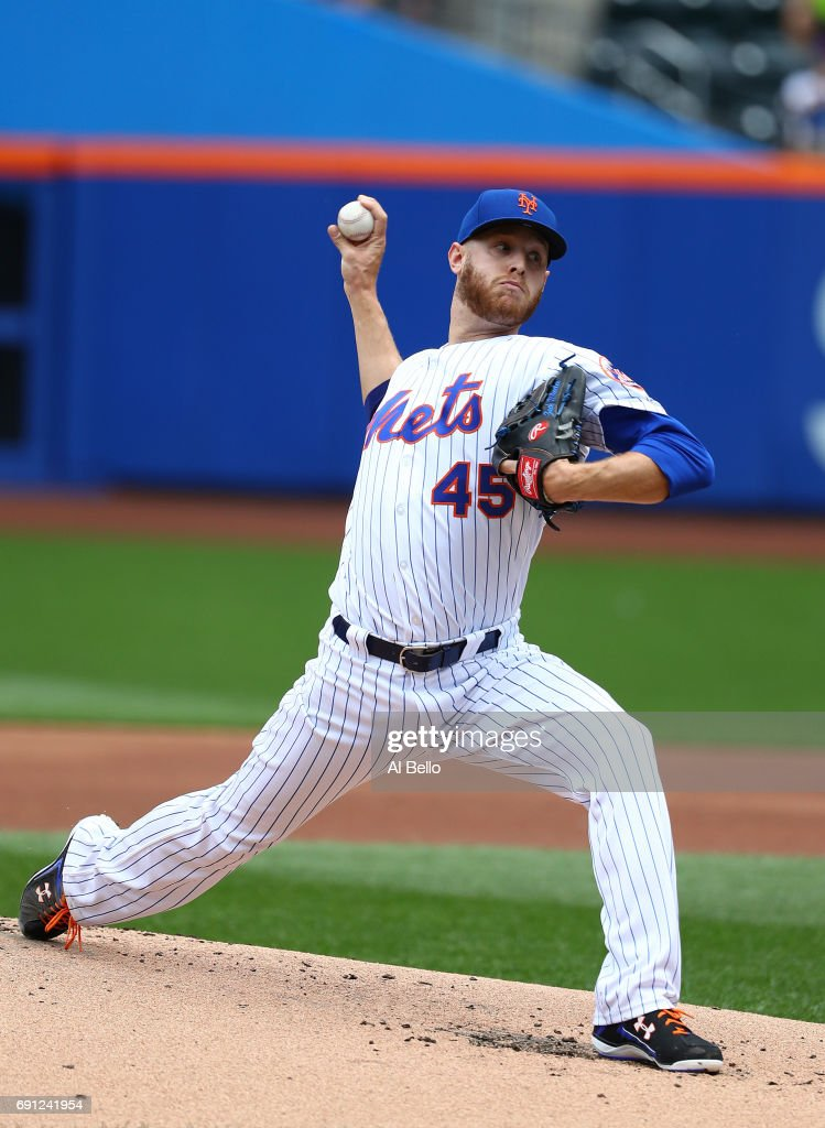 Zack Wheeler #45 of the New York Mets pitches against the Milwaukee Brewers during their game at Citi Field on June 1, 2017 in New York City.