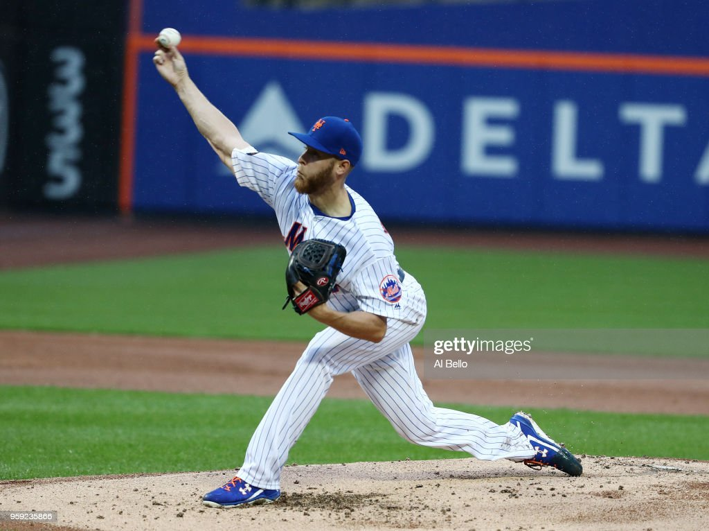 Zack Wheeler #45 of the New York Mets pitches against the Toronto Blue Jays during their game at Citi Field on May 16, 2018 in New York City.