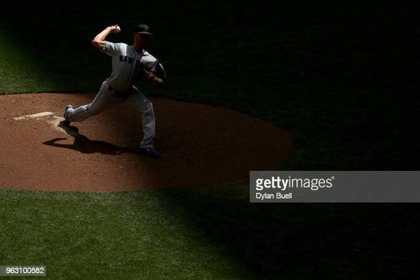 Zack Wheeler of the New York Mets pitches in the fourth inning against the Milwaukee Brewers at Miller Park on May 27 2018 in Milwaukee Wisconsin