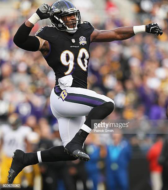 Za'Darius Smith of the Baltimore Ravens celebrates after sacking Ben Roethlisberger of the Pittsburgh Steelers in the fourth quarter at MT Bank...