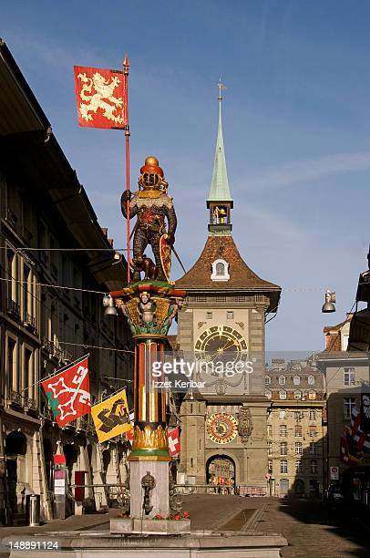 Zahringerbrunnen (Zahringer Fountain) with Zytglogge medieval clock tower in background, Old City.