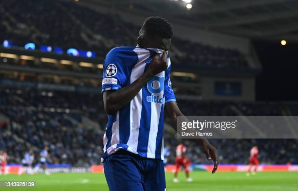 Zaidu Sanusi of FC Porto looks dejected during the UEFA Champions League group B match between FC Porto and Liverpool FC at Estadio do Dragao on...