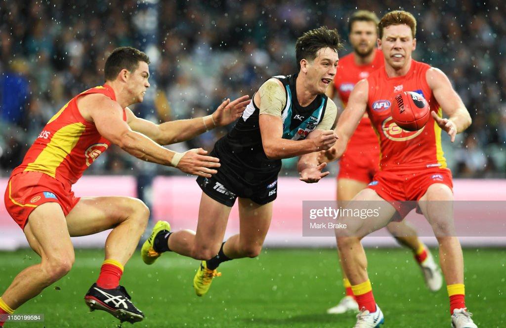 AFL Rd 9 - Port Adelaide v Gold Coast : News Photo