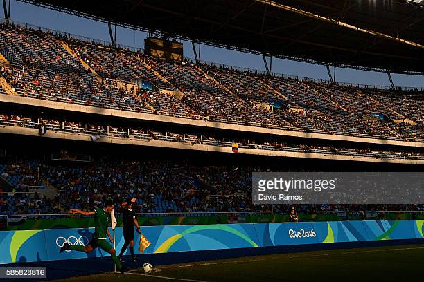 Zakarya Haddouche of Algeria takes a corner kick during the Men's Group D first round match between Honduras and Algeria during the Rio 2016 Olympic...