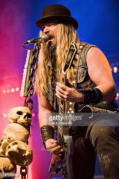 Zakk Wylde of Black Label Society performs live at the Congress Theater on November 6, 2010 in Chicago, Illinois.