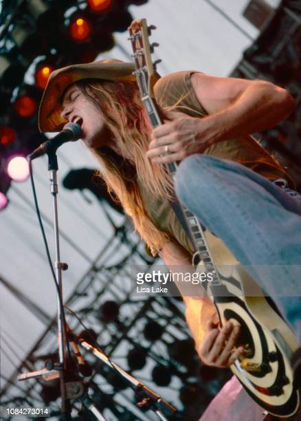 Zakk Wylde of Pride and Glory performs at Montage Mountain on August 14, 1994 in Allentown, Pennsylvania.