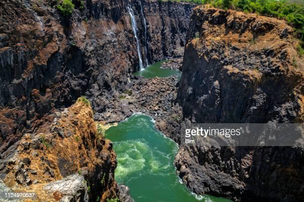 zambezi gorge, cataratas victoria, río zambezi, en zimbabwe, áfrica - zimbabwe fotografías e imágenes de stock