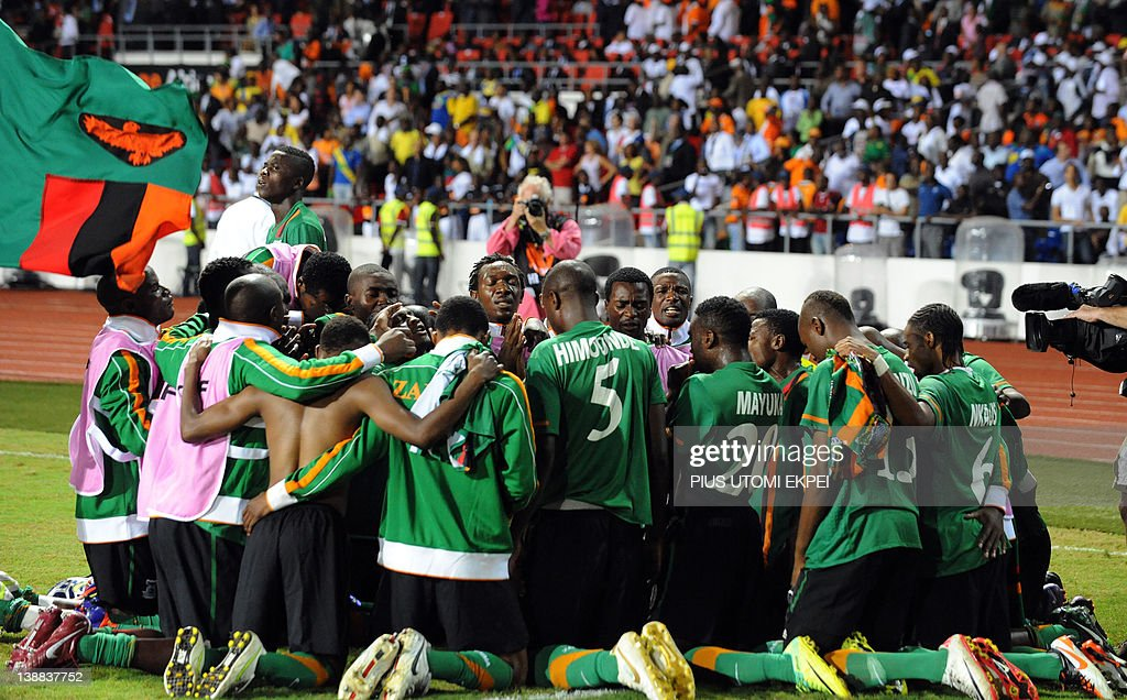 Zambia national team prays together afte : News Photo