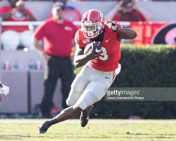 Zamir White of the Georgia Bulldogs makes a run during a game between Murray State Racers and University of Georgia Bulldogs at Sanford Stadium on...