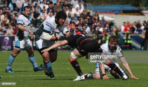 Zander Fagerson of Glasgow charges upfield during the European Rugby Champions Cup match between Saracens and Glasgow Warriors at the Allianz Stadium...
