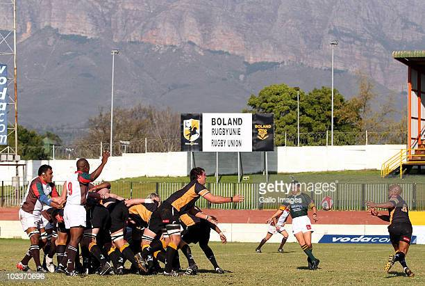 Zandre Jordaan of Boland passes the ball to Bolla Conradie during the Absa Currie Cup First Division match between Boland Cavaliers and Border...