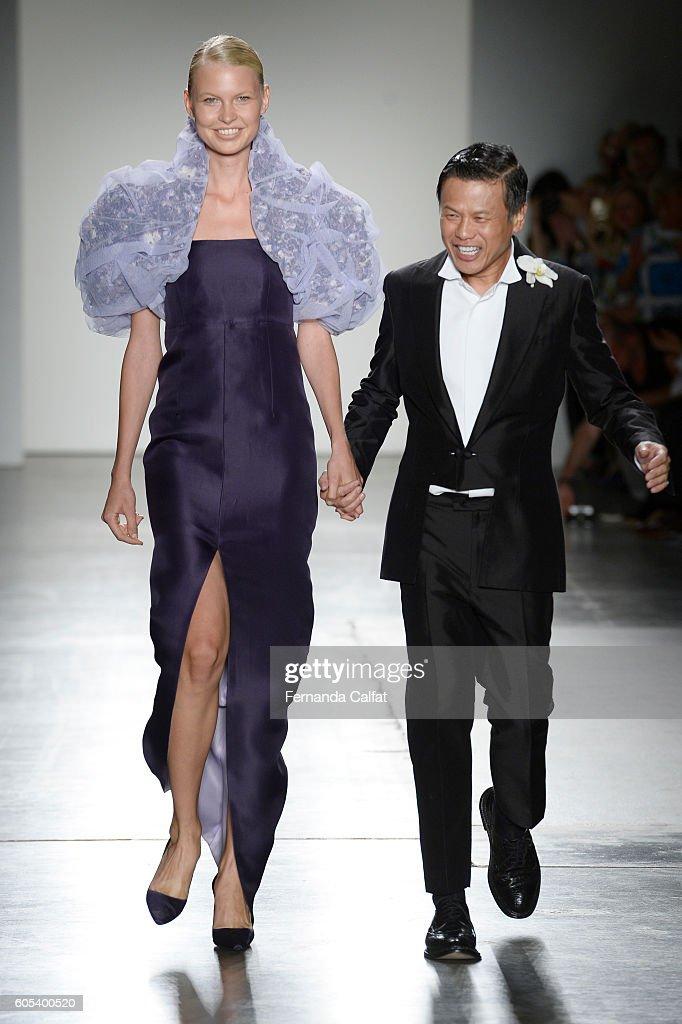 NY: Zang Toi - Runway - September 2016 - New York Fashion Week