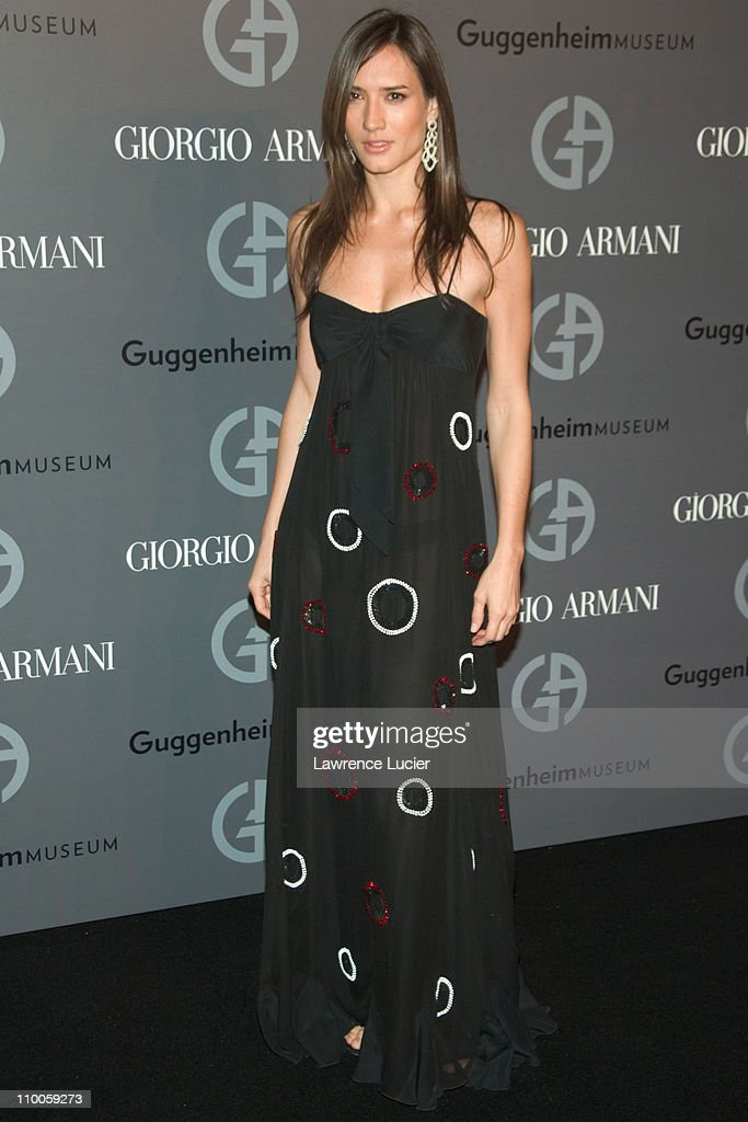 Solomon R. Guggenheim Museum's Young Collectors Council 2006 Artists Ball Sponsored By Giorgio Armani : News Photo