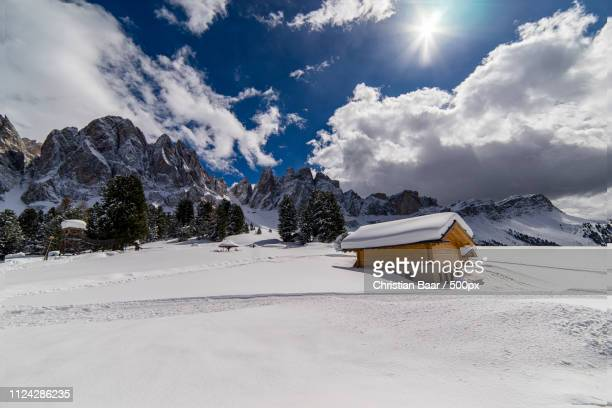 zanser alm in s dtirol - osterausflug - schnee stock pictures, royalty-free photos & images