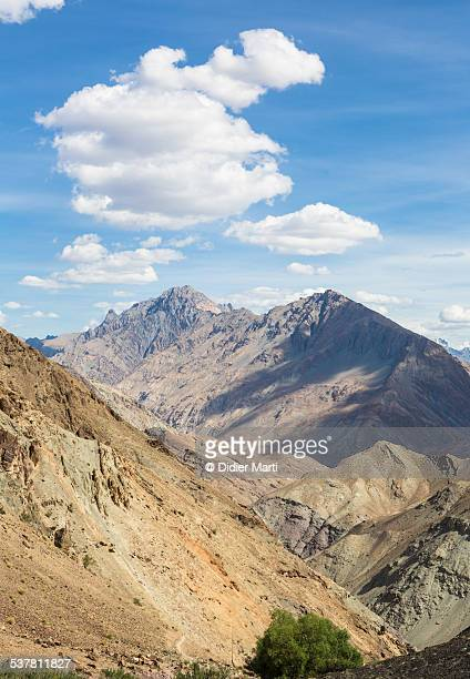 zanskar mountain range in ladakh - didier marti stock photos and pictures