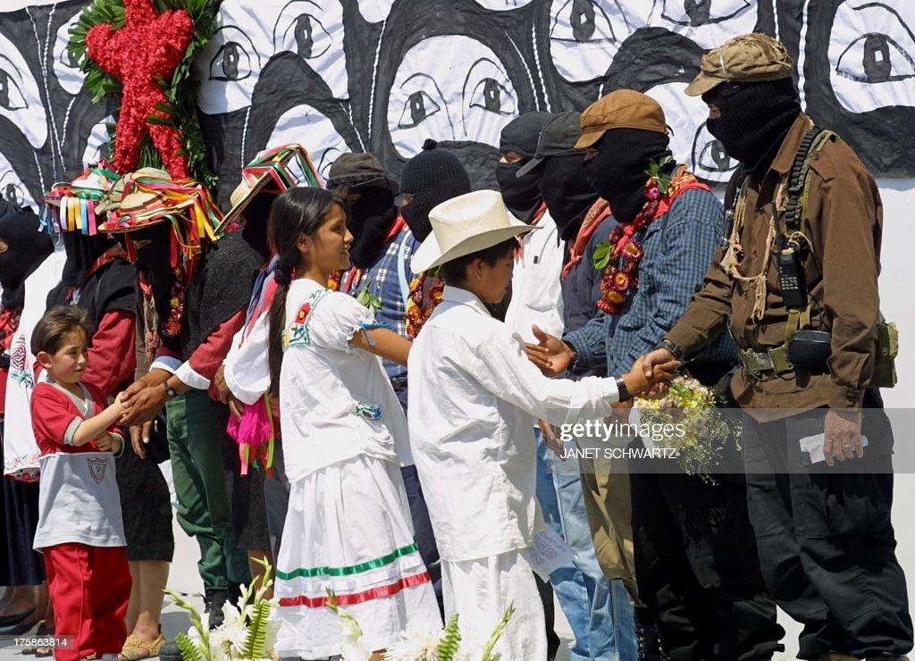 MEXICO-ZAPATISTAS-CHILDREN : News Photo