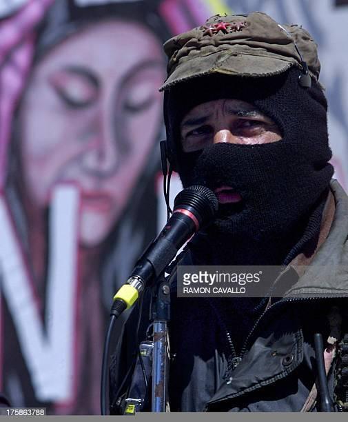 Zapatista leader Subcommander Marcos of the EZLN gives a brief speech in Toluca Mexico 06 March 2001 El subcomandante Marcos maximo lider del...