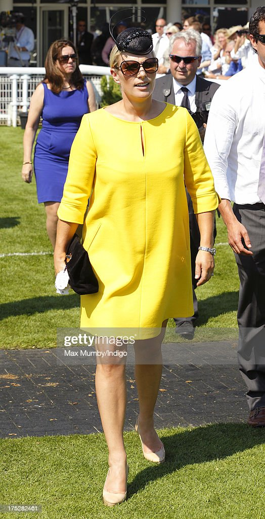 Ladies Day At Goodwood Races : News Photo