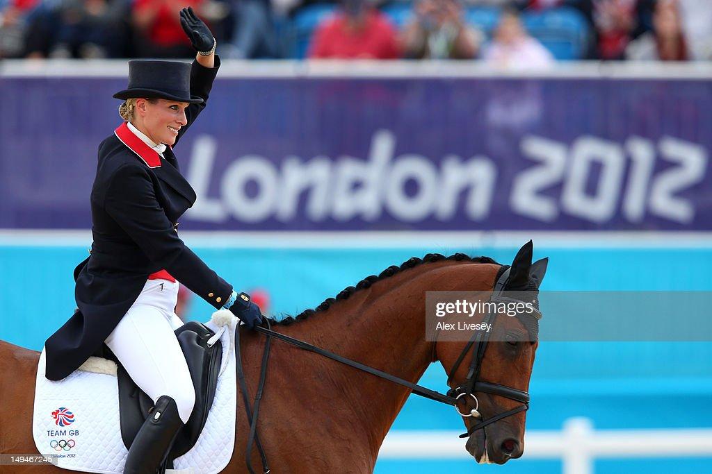 Olympics Day 2 - Equestrian : ニュース写真