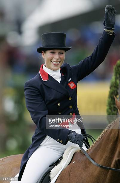 Zara Phillips of Great Britain on Toy Town waves to the audience after her presentation during the World Individual & Team Eventing Championships in...