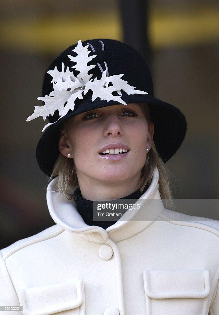 Zara Phillips Cheltenham : News Photo