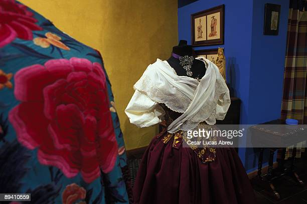 Zaragoza Aragon El Bancal tradicional dress shop