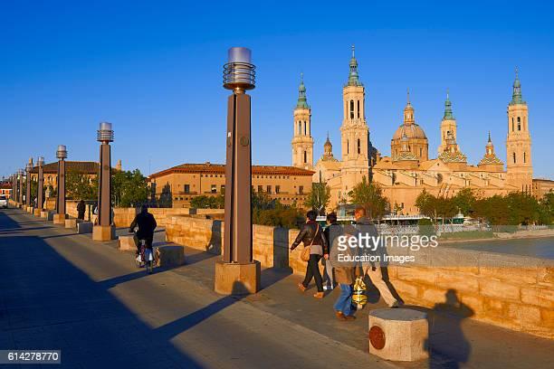 Zaragoza Ebro River Basilica del Pilar Puente de Piedra Saragossa Aragon Spain