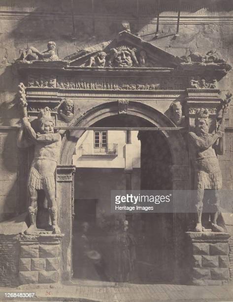 Porta de los Gigantes, 1860. Artist Charles Clifford.